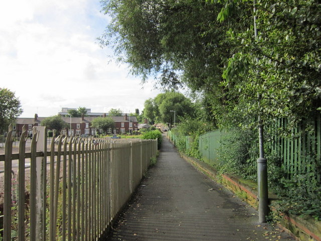 A path leading to Friarwood Lane