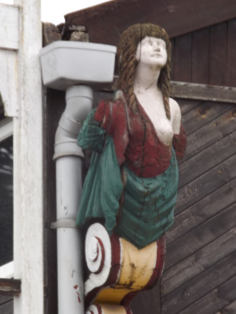 Figurehead, Shepperton