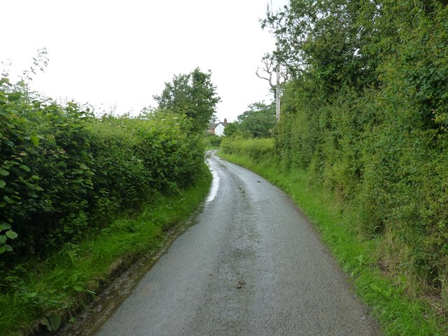 Narrow lane out of Whittingslow