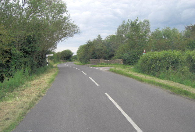 Buckland Road approaches Isle of Wight Bridge