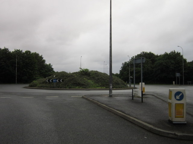 Traffic island on Oakwood Gate