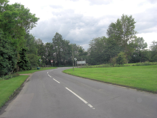 Bampton Road junction with Station Road