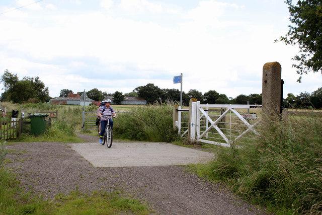 Former level crossing near Carr Farm