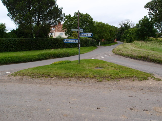 Grass triangle road junction at Covington
