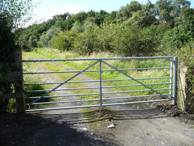Gated track off Wike Ridge Lane