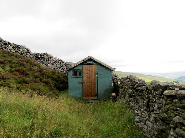 Hut on Middle Moor