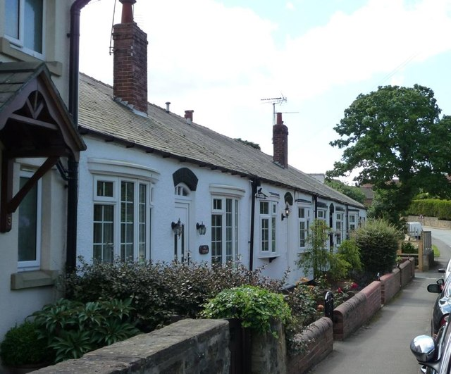 Four single story cottages, Syke Lane