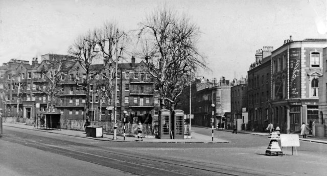 1950's view on Lambeth Palace Road outside St Thomas's Hospital at York Road