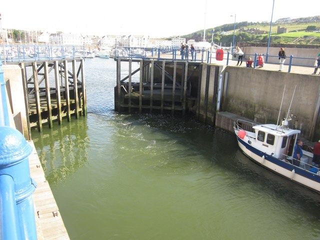 Whitehaven Sea Lock (3)