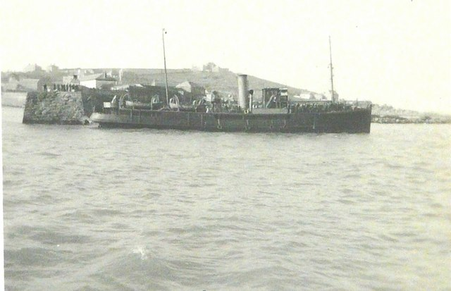 Ship off the end of The Quay in 1943