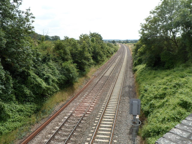 Railway lines SW of the A38 bridge