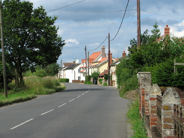 Cottages along Broad Road, Cotton