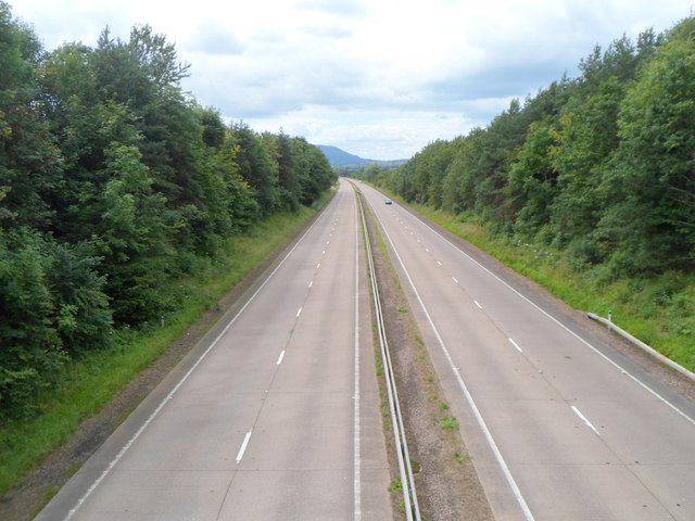 Looking west along the A40 from Bryngwyn near Raglan