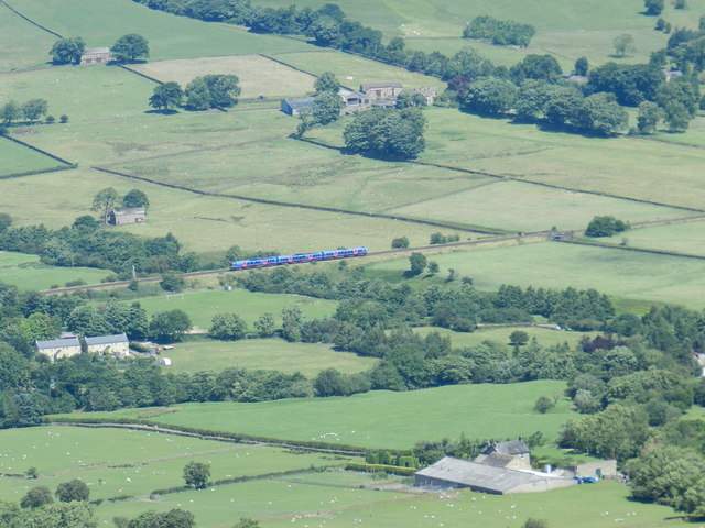 Train in Edale Valley