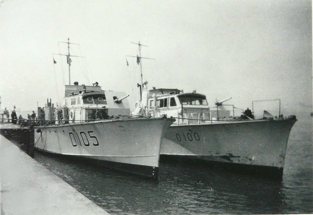 Gunboats 0105 & 0100 beside The Quay in 1943