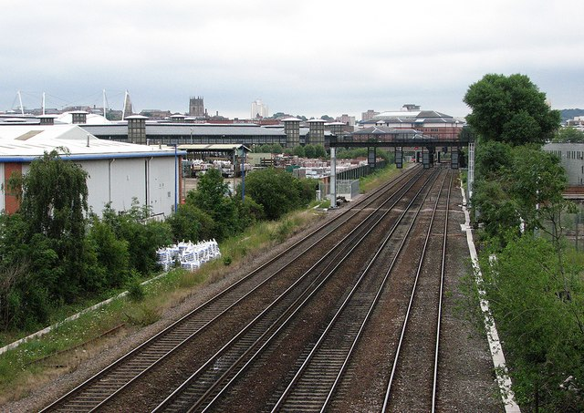 The western approach to Nottingham Station