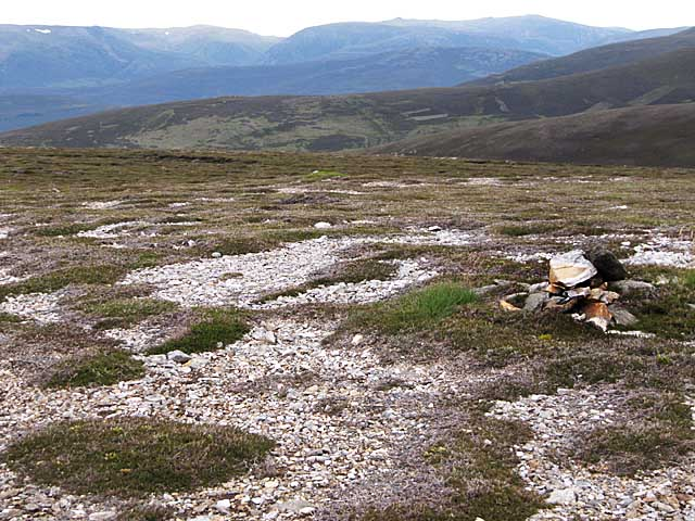 Summit plateau of Carn Ghriogair