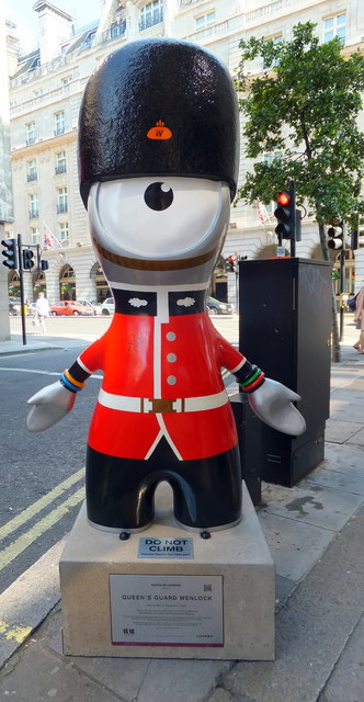 Queen's Guard Wenlock in Piccadilly