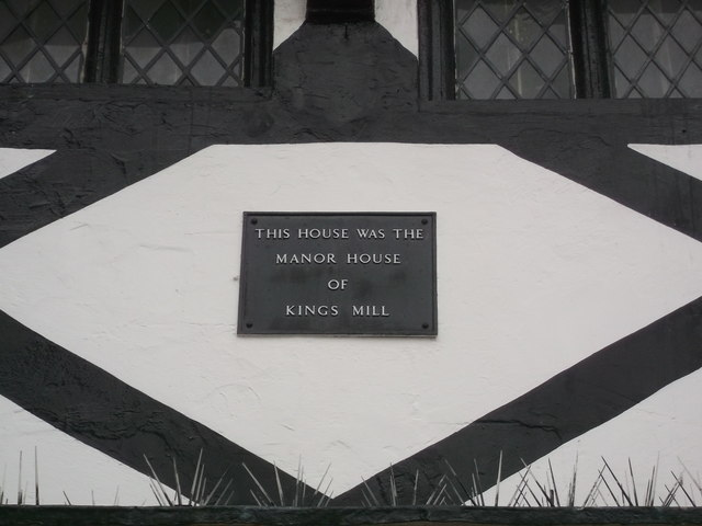 Close-up of the plaque on No.10 Market Place, Faversham