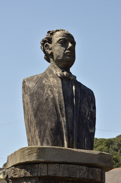 Carved bust of Dylan Thomas - Laugharne