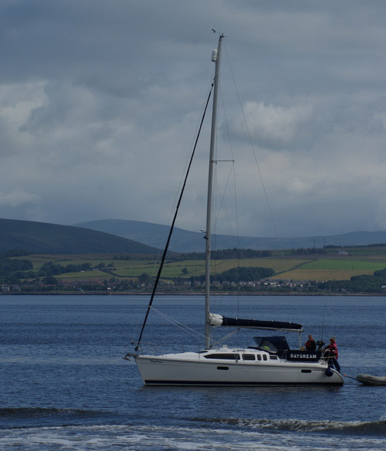 Yacht Daydream passing Greenock