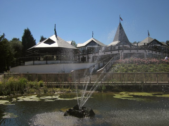 Fountain and restaurant, Trago Mills