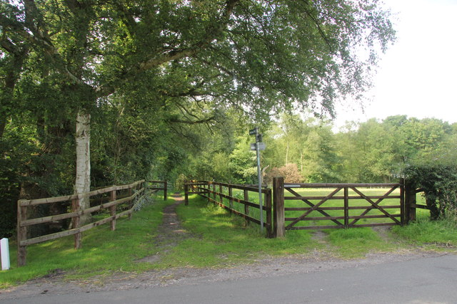 Pepper Street bridleway entrance