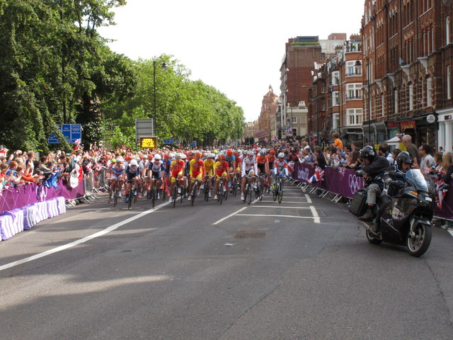 Olympics men's cycling road race, Brompton Road (1)