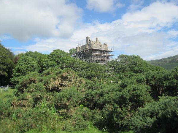 Moy Castle. Loch Buie