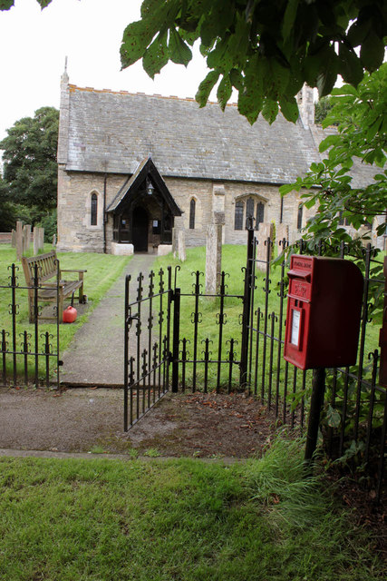 Girton churchyard and Girton postbox (ref. NG23 41)