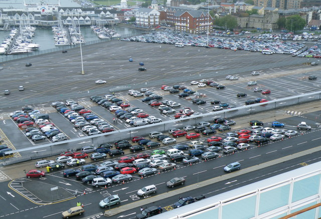 Waiting In Line Ocean Cruise Terry Robinson Geograph - Southampton cruise ship parking