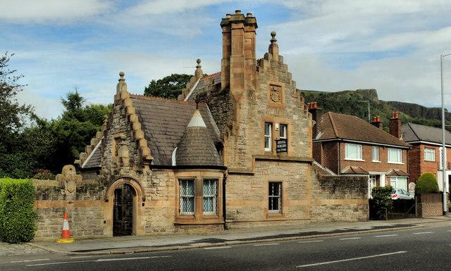 Former Belfast Castle Gate Lodge 1 169 Albert Bridge