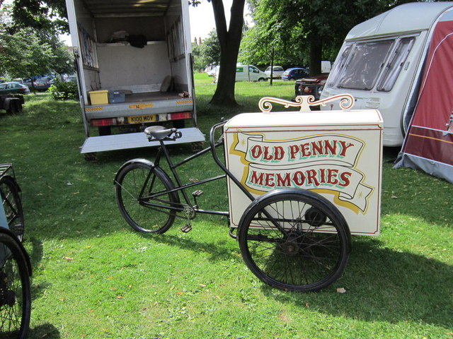 Old Penny Memories ice cream cart