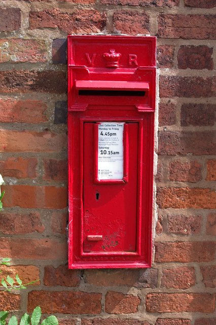 Victorian wall-mounted postbox, Hillhampton, near Structon's Heath