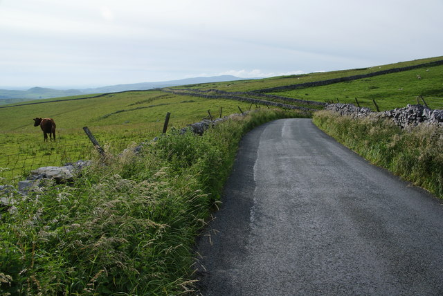 Road approaching Henside