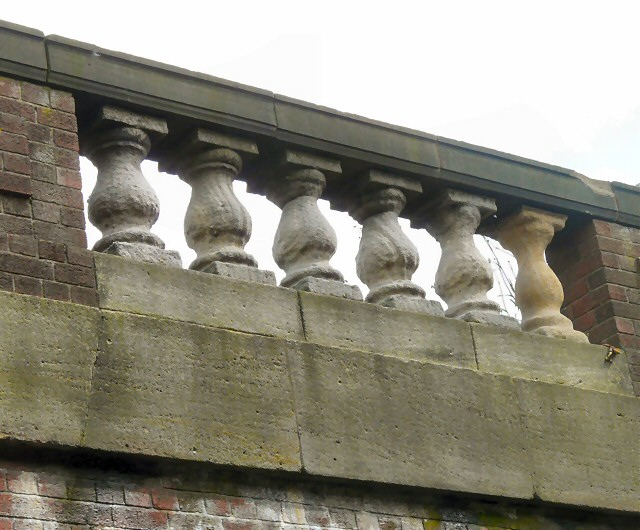 Princess Parkway bridge: parapet detail