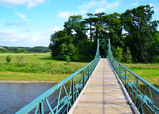 The suspension bridge at Dryburgh