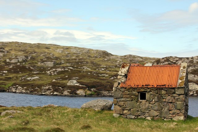 Shed by Loch na Muilne