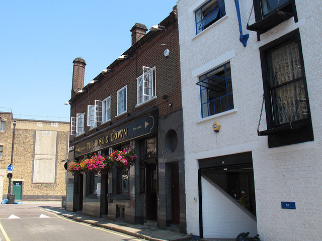 The Rose and Crown, Ayres Street