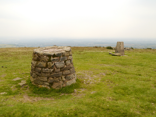 Cairn and Trig Pillar, Knowl Hill
