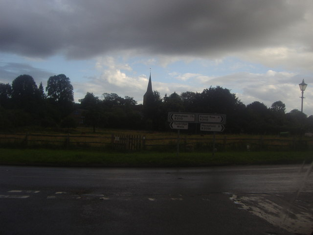 Castlefields from Edenbridge Road, Hartfield