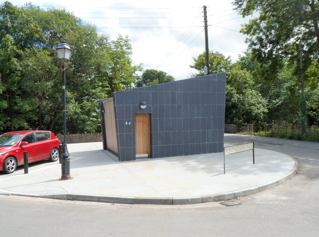 New public toilets, High Street, Pontneddfechan