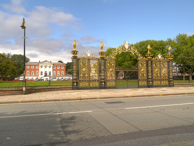 Warrington Town Hall, Bank Park and Gates