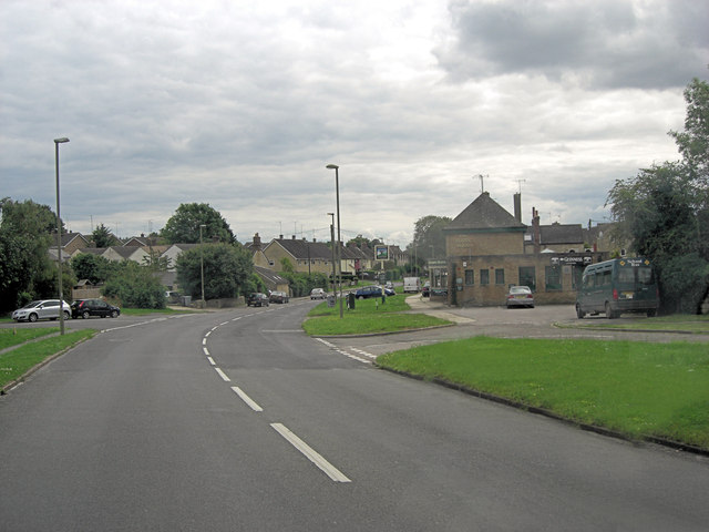 B4022 Hailey Road passes The Robin Hood