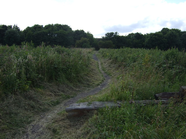 Cycle track off the B1322