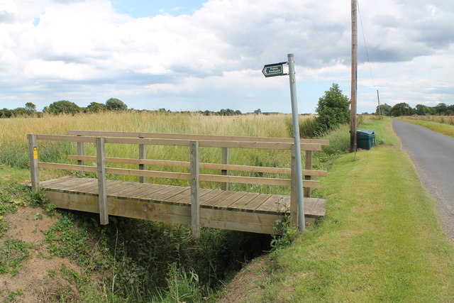 Footbridge on path off Fulker's Lane