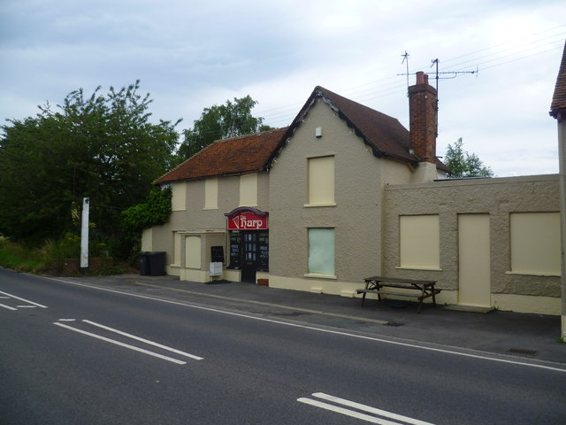 Disused public house in Hale Street