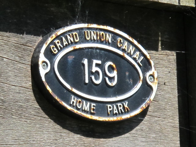Sign on Home Park bridge (no.159) on the Grand Union Canal