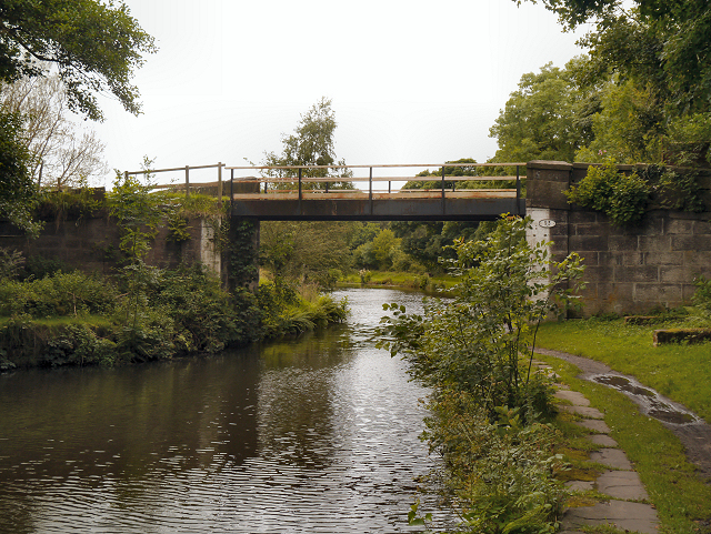 Leeds and Liverpool Canal, Stanworth Bridge