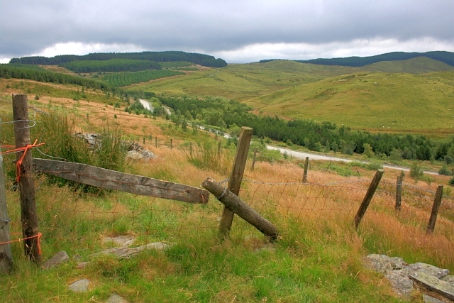 Access Over Fence Near Pen y Maen Berthgoed